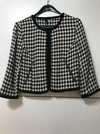 Черно бяло късо сако