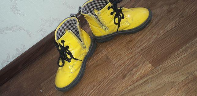 Ботинки весенные