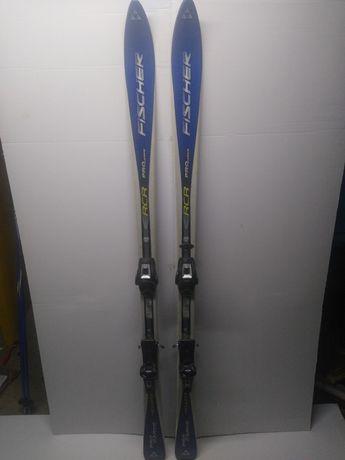 Vând schiuri FISCHER + bete