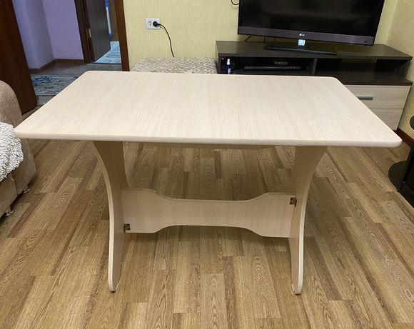 Продам новый кухонный стол