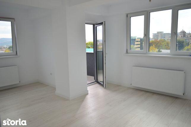 Apartament luminos cu 2 camere, compartimentare buna, Zona linistita!
