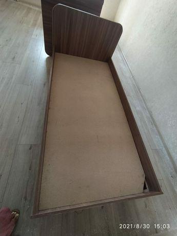 Срочно продам кровать в наличии 2 шт