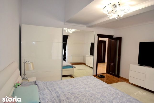 Mini-penthouse, 4 camere, decomandat, Rediu