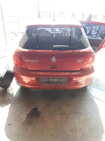 Piese / dezmembrez  Peugeot 307 1.6 benzina