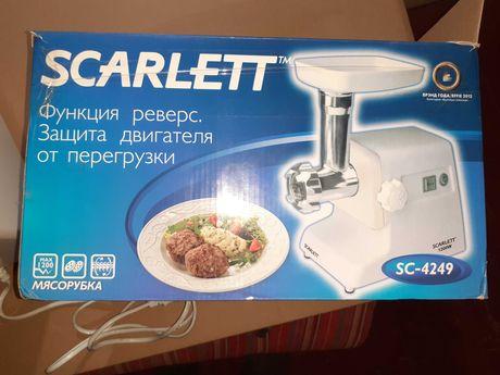 Продам мясорубку Scarlett 1200 W