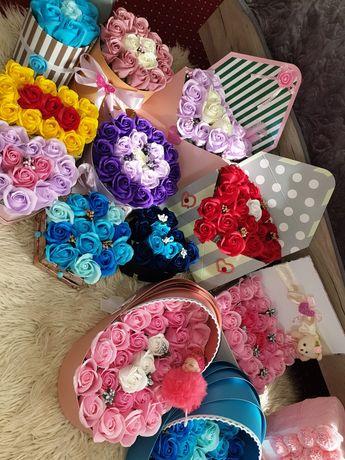 Aranjamente cu trandafiri de sapun