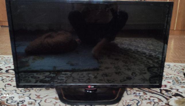 LG  телевизор плазма