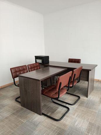 Продам офисную мебель в отличном состоянии
