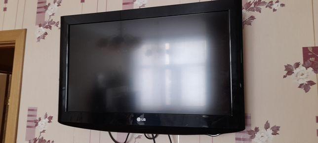 Продам Телевизор LG 32LH2000 32