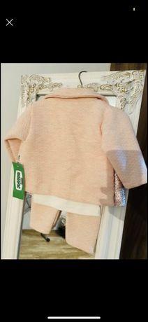 Costuma fetita si rochita