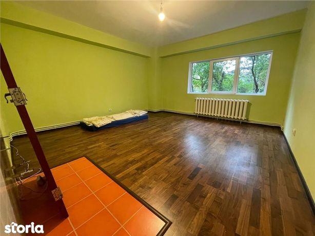 Apartament 2 camere decomandate, 60mp utili, boxa, Titulescu.
