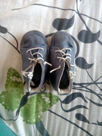 Обувки за прохождане и на nike