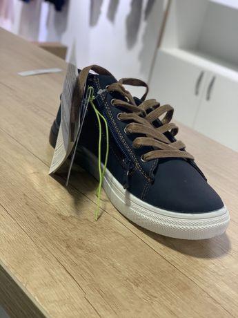 Подростковая обувь 35 рр