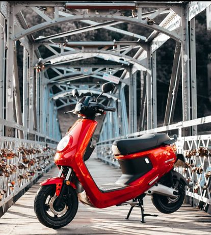 Scooter electric NIU M+ sport