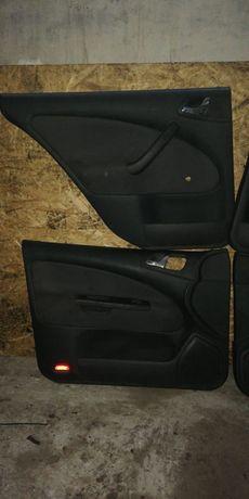 Обшивки двери к-т на Шкода Октавия из Германии