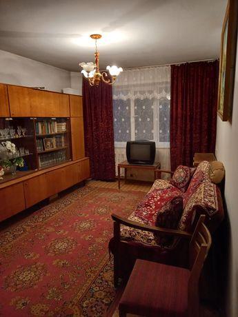 Продам 2-х комнатную квартиру старой планировки г.Семей