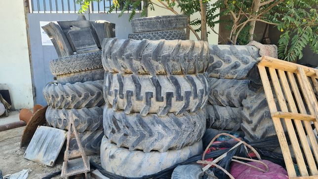 Грузовые шины для септика клумб переработки