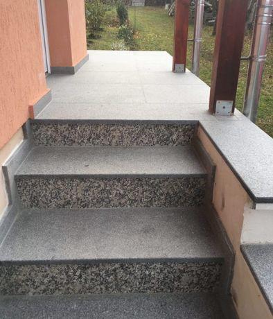 Trepte din granit fiamat pentru exterior