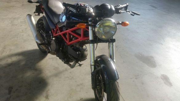 Мотоциклет Дукати Монстер 695,900(Ducati Monster 695,900)-НА Части