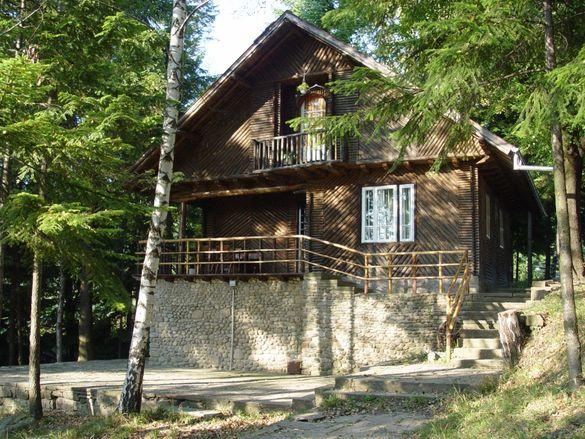 Двуетажна къща само на 3 км от Габрово