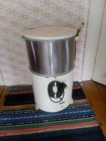 стара БГ пералня- за части-180W, 2.56A, 1420 об/Мин., общ. Приморско