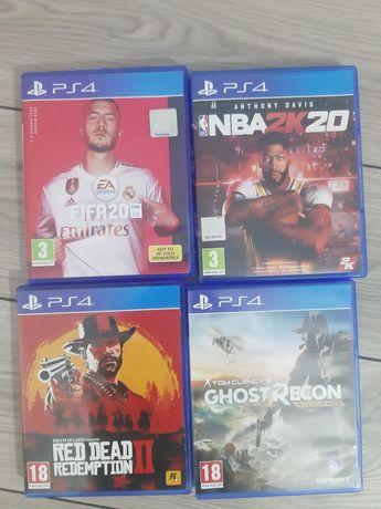 Vând jocuri PS4..