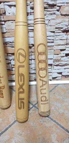 Дървени бухалки с надпис на Коли