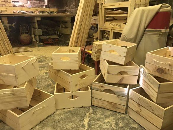 Четири сета от декоративни дървени щайги различни модели