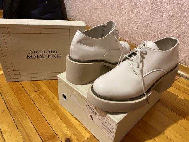 Ботинки осенние новые от Alexander McQUEEN