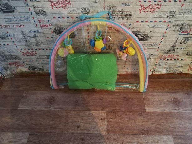 Детский коврик.почти новый