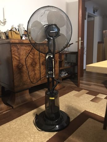 Ventilator cu pulverizare apa Heinner cu telecomanda