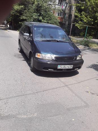 Продам машину. Хонда Одиссей 1996 год.