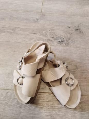 Sandale de fete Zara din piele marimea 24/25
