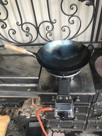 Сковорода вок (wok) с деревянной ручкой, кованный оригинальный 36 см