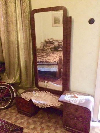 Антиквариат от 1920 г. - луксозна орехова спална гарнитура