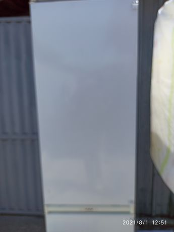 Продам  холодильник АРИСТОН  2- камерный