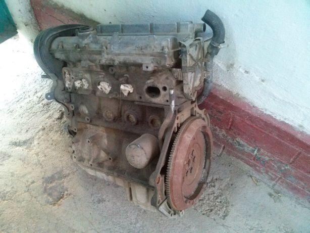 Двигатель на Опель на запчасти