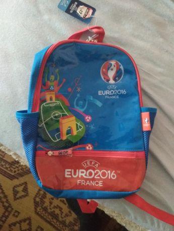 Продавам Детска Раница Евро 2016