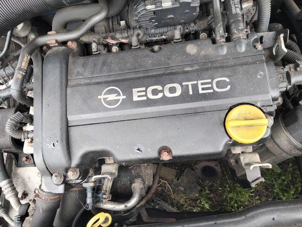 Motor Opel CORSA Astra 1.2 16 v