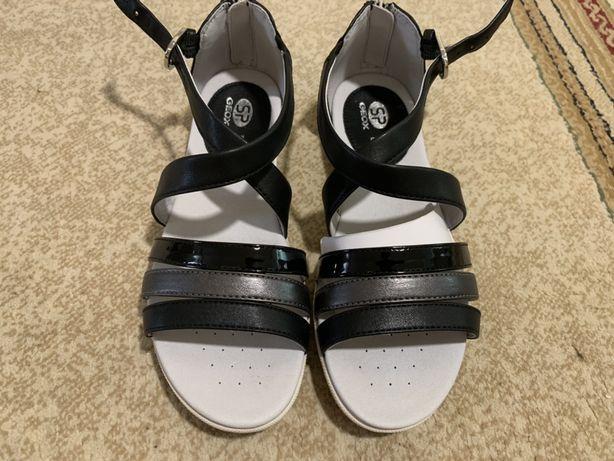 Sandale Geox NOI! Marimea 37