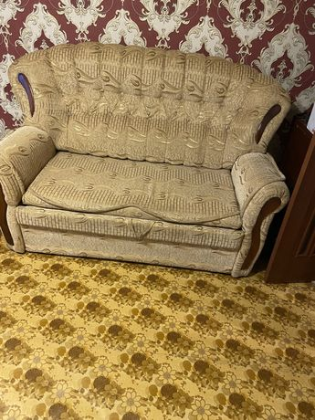 Продам большой и маленький диван