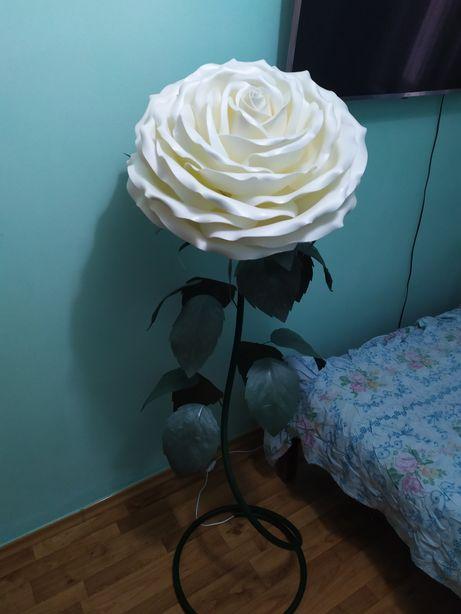 Торшер-роза. Ручная работа