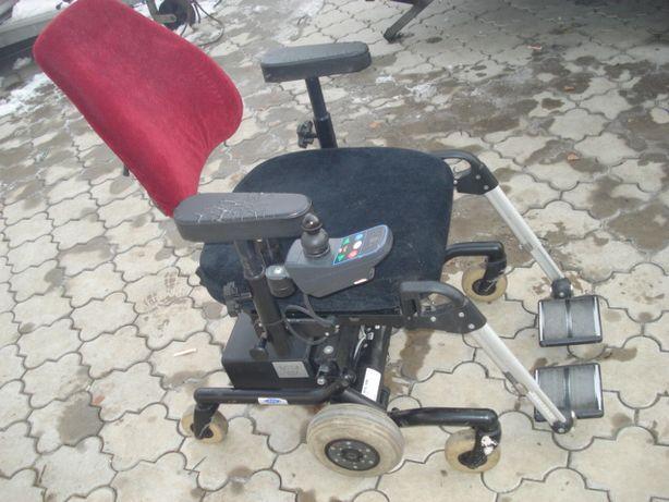 carucior electric cu lift pt.persoane cu handicap