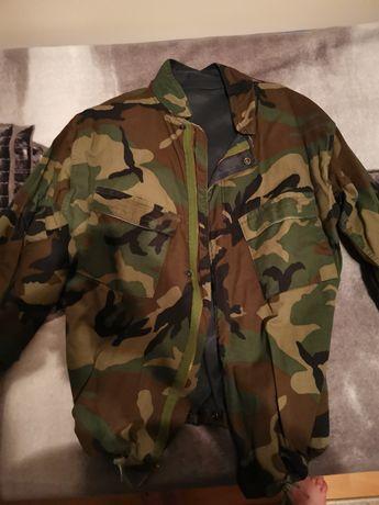 Vând jachetă softshell