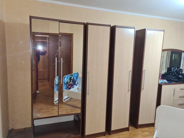 Шкафы для спальни,  мягкая мебель,  кухня,  прихожка