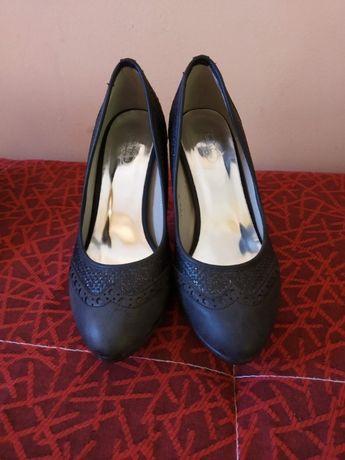 Обувки 39 номер