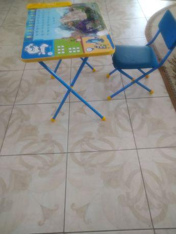 Столик детский продам