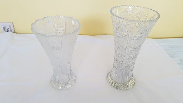 Продавам чисто нови кристални вази