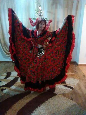 Costum de dama tiganesc pentru spectacole