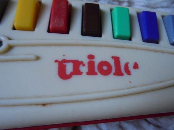 музикален инструмент ТРИОЛА